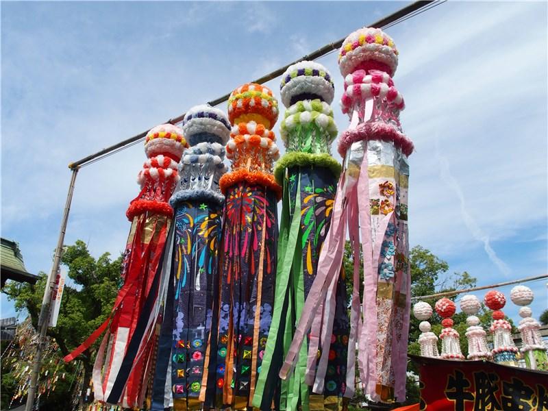 仙台七夕飾りを下に垂らす意味