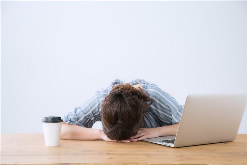昼間の眠気を解消する方法