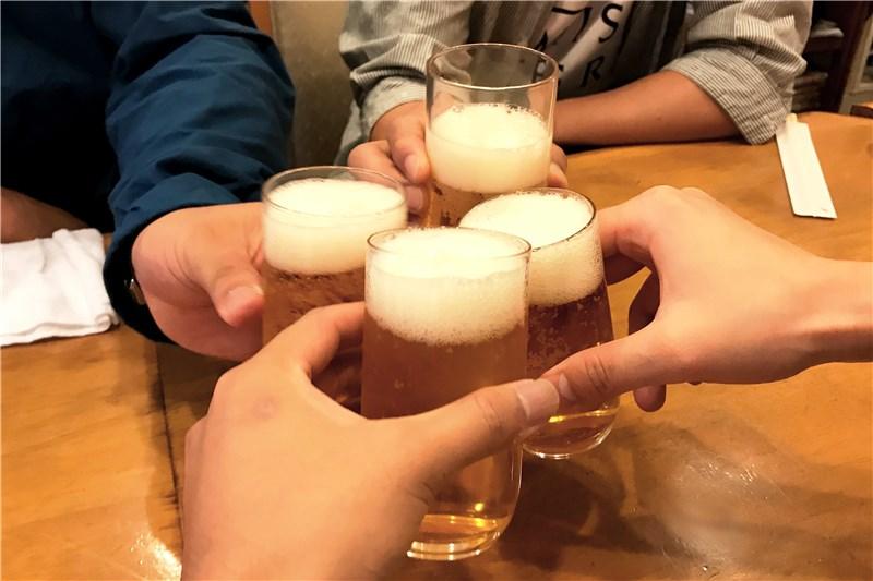 飲み会でたくさん飲んでも酔わないための方法