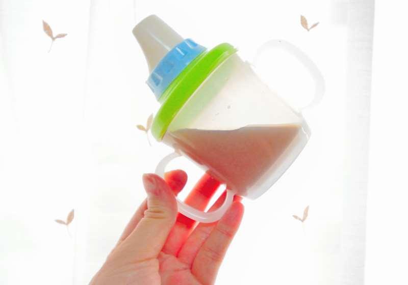 赤ちゃんのコップ飲みはいつから練習させたほうがいい?