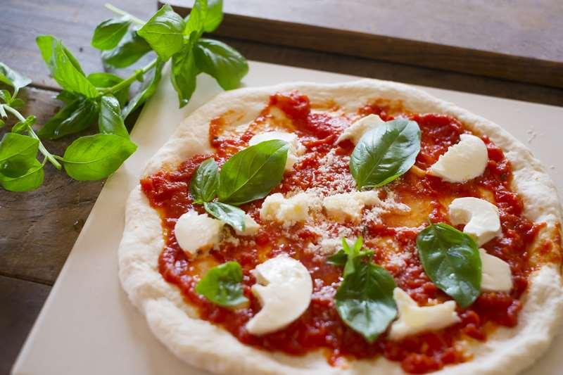 手作りピザにおすすめのトッピングやソース