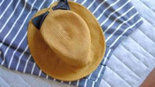 麦わら帽子を水洗い